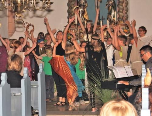 """Kinder- und Jugendchor probt """"Kinderbrücke"""""""