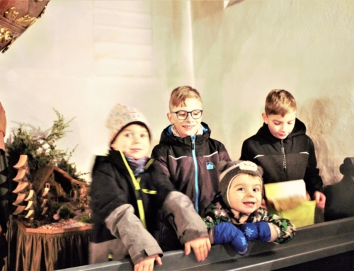 Kinder als kreative Krippenbauer