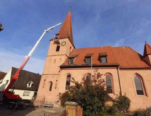 Dachdeckung am Turm